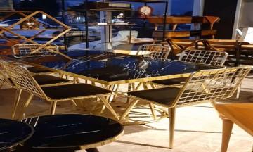 Gold masa takımı